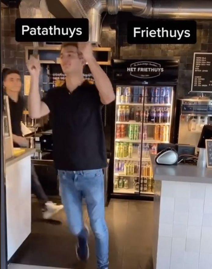 Medewerkers van Het Friethuys uit Oss staan voor de keuze: Patathuys of Friethuys.