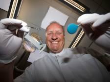 Na 40 jaar hoeft tandarts Meijer geen potje met tanden meer te bewaren
