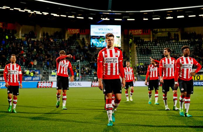 PSV verlaat het veld in Den Haag, na een deceptie.
