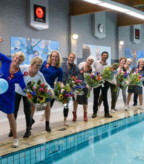 Zwembad De Vlaskoel in Tubbergen bestaat 25 jaar: 'Kinderen en ouders zijn een stuk mondiger geworden'