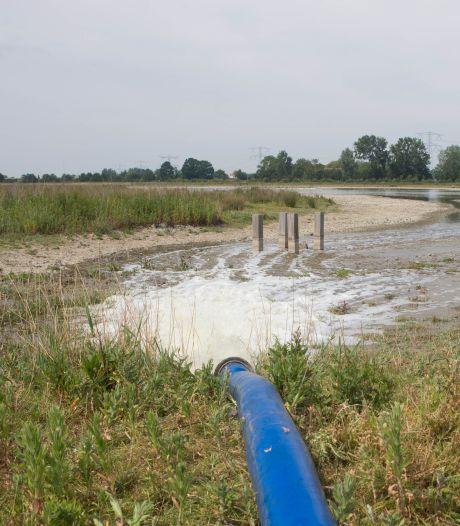 350 kuub extra water per uur voor natuurgebieden Hoedekenskerke moet kuikens redden