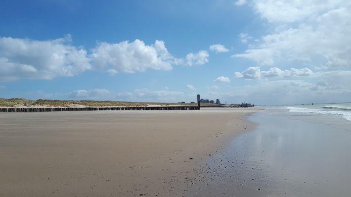 Een leeg Vlissings strand