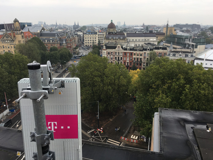 T-Mobile launched the first 5G antenna of the Netherlands in Amsterdam at the end of last year - by way of experiment -. If it is up to the government, 5G will be rolled out throughout the Netherlands in 2020. That means a considerable increase in transmission masts. © T-Mobile
