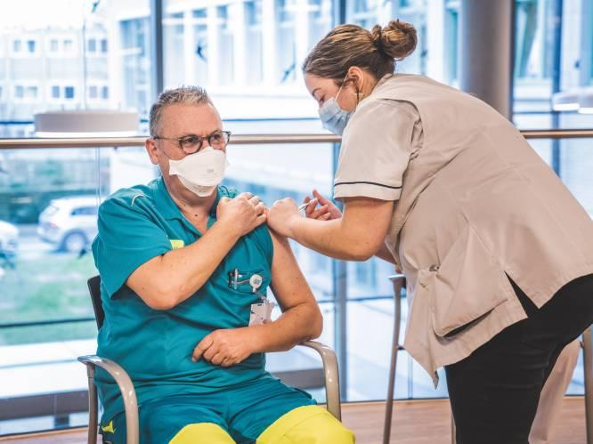 180.000 vaccins liggen gewoon in diepvries te wachten: hoe is dit, in volle wedloop tegen de tijd, mogelijk?