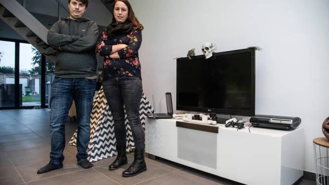"""Astrid en Sven stilaan hopeloos na maanden wachten op internetaansluiting: """"Maar dan zijn wij zogezegd de lastige klanten en de stalkers"""""""