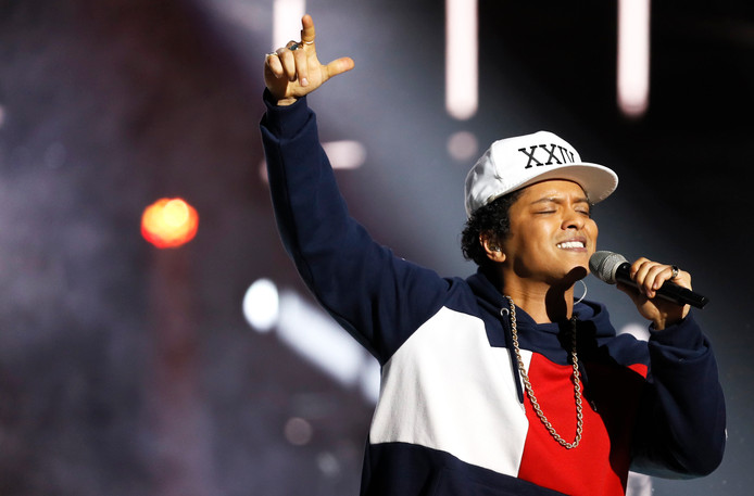 Bruno Mars tijdens de MTV European Music Awards (EMA) in Ahoy Rotterdam.