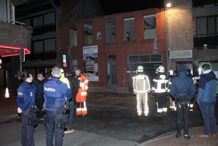 Brandweer en politie sloten de omgeving af.