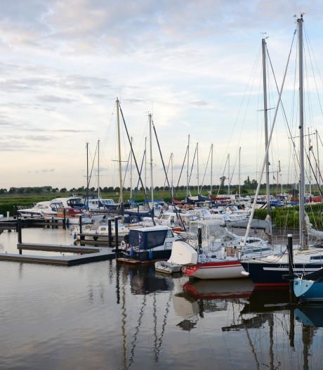 Jachthaven de Schapenput eist compensatie voor drijvende steigers