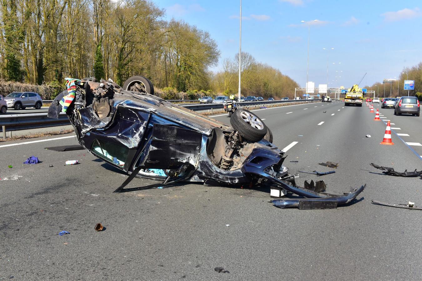 Even voor 14.00 uur ging het mis op de rijbaan richting Almere.