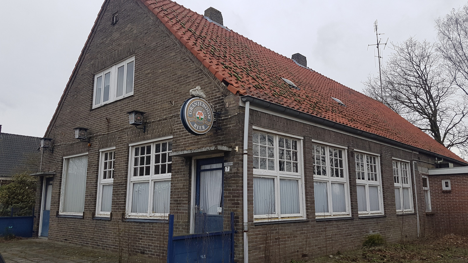Café van Grinsven in Hooge Mierde wordt gesloopt.