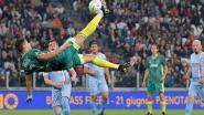 Als zelfs de tegenstander komt meevieren: Cristiano Ronaldo steelt de show op benefietwedstrijd