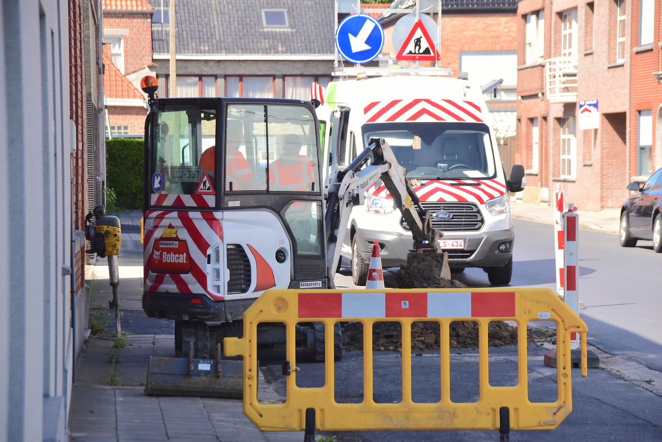 In de Roterijstraat waren de problemen rond 14 uur opgelost.