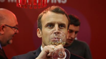 """Franse artsen kritisch voor drankverbruik Macron: """"Vanuit het standpunt van de lever is wijn even slecht als andere alcohol"""""""