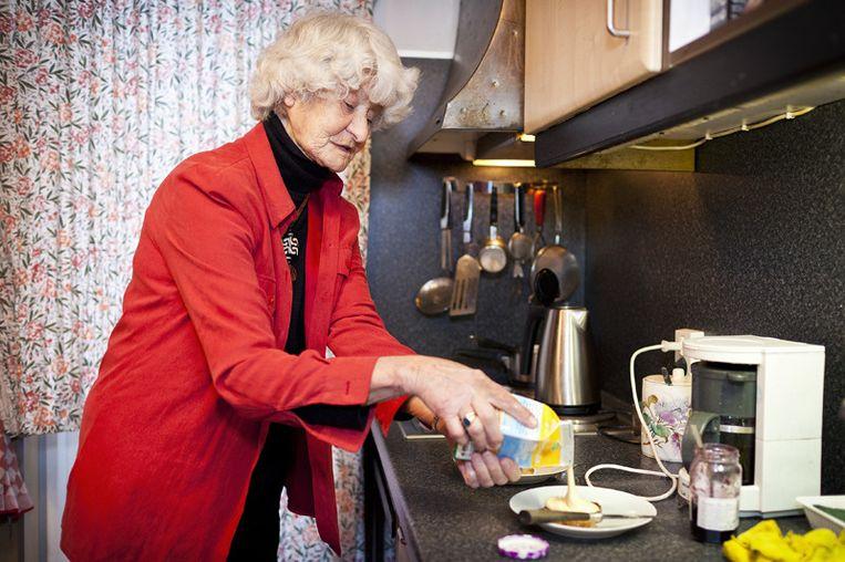 Sinds ze bijna niet meer kookt, houdt Jenny zeeën van tijd over. © Marc Driessen Beeld