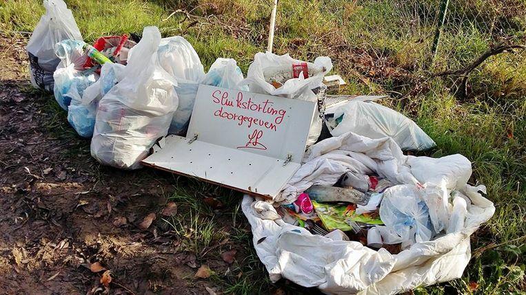 Voor de zoveelste keer dumpten sluikstorters hun afval in de Kerkhofstraat.