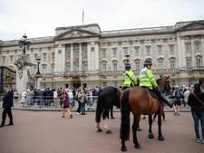 Politie arresteert man met mes voor Buckingham Palace