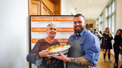 Geen bloemen maar 2,5 kilo salade: directeur Verschooren van Sint-Ursula Instituut krijgt origineel afscheidscadeau