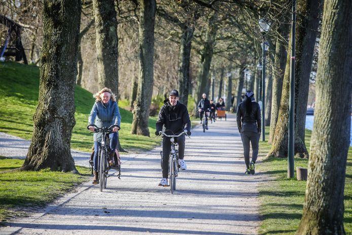 Fietsen langs de Brugse vesten: het wordt de eerste 'stadsfietsroute' van Brugge.