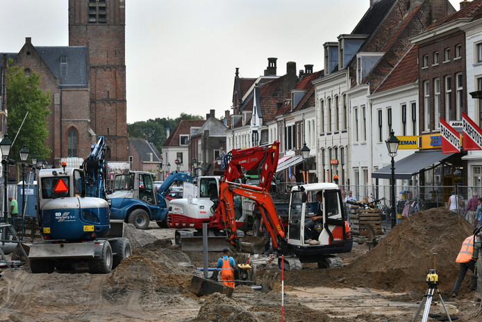 Er is hard gewerkt in de Voorstraat in Vianen
