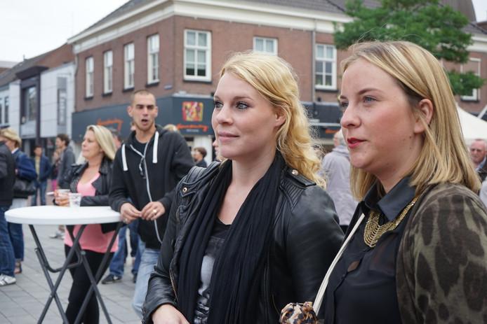 Ook al wonen Nena Heesakkers (23) en Anne Verhiel (23) niet meer in Waalwijk, Fashion City wilden zij niet missen.