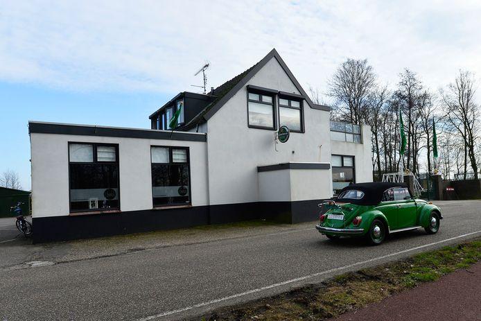 Café 't Snoekse aan de Valkenvoortweg in Waalwijk.
