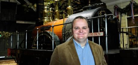 Spoorwegmuseum en directeur schikken:  Foppen per direct weg