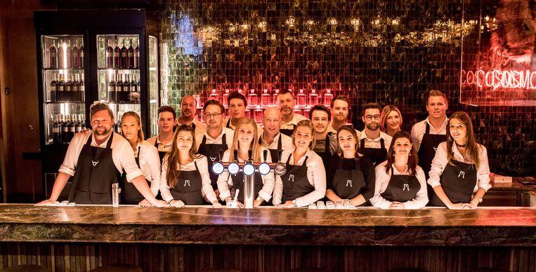 Bijna elke dag sluit in ons land een café de deuren.  Maar in Sint-Truiden houdt het Cosmocafé dapper stand.
