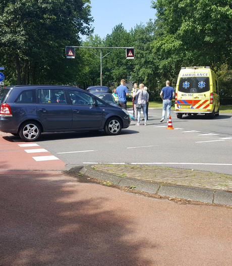 Fietser gewond na aanrijding in Borne