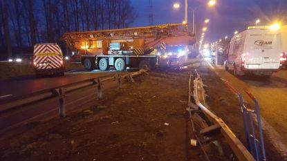 Kraanwagen door middenberm: A12 pas na 10 uur opnieuw vrijgegeven