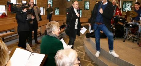 Leerdams kerkkoor imponeert met optreden bij Top 2000 Stembus