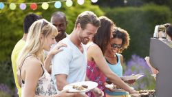 Barbecueweer! 5 BBQ-hacks die je moet kennen