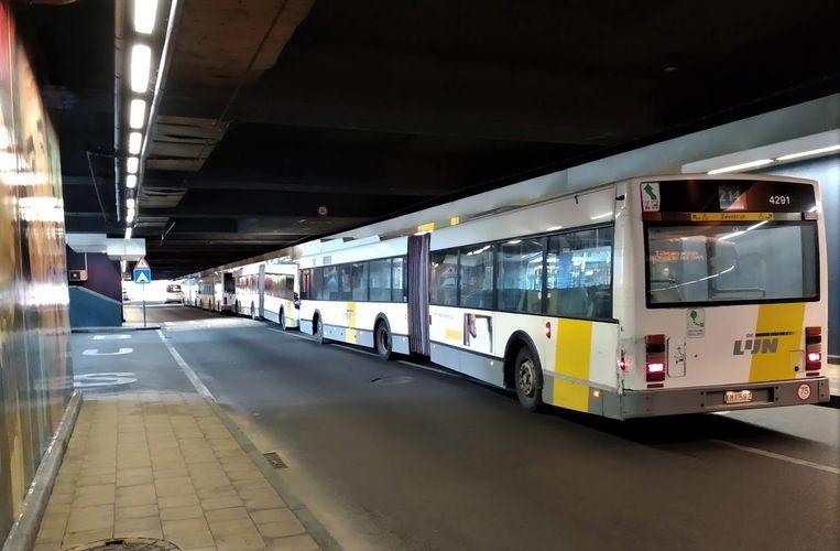 De bussen van De Lijn durven weer langs het Noordstation nadat transmigranten werden ondergebracht in opvangcentra.