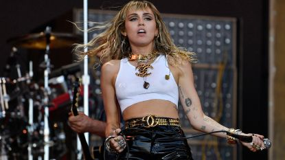 Miley Cyrus beleeft angstige momenten in vliegtuig