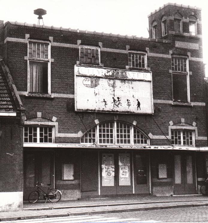 Bioscoop City Theater vlak voor de sloop (1973).