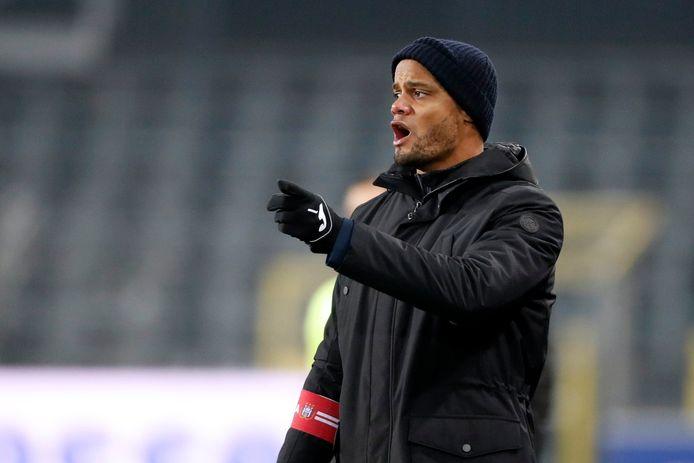 """Trop positif dans son analyse post-Clasico? """"Il faut aussi comprendre que je regarde ça de mon point de vue de coach"""", répond Vincent Kompany."""