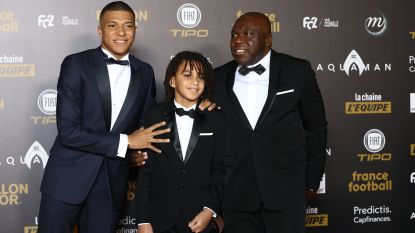 """Niet Modric, Ronaldo of Messi. Kylian Mbappé vertelt hoe Eden Hazard hem in 2018 van de sokken blies: """"Hij is welkom in Parijs"""""""