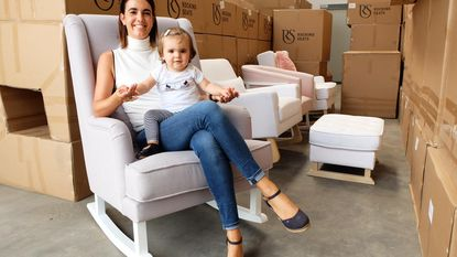 Bankier ontwerpt schommelstoelen