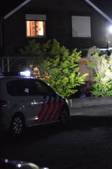 Gewapende overval op huis in Wernhout: vluchtauto mogelijk in brand gestoken