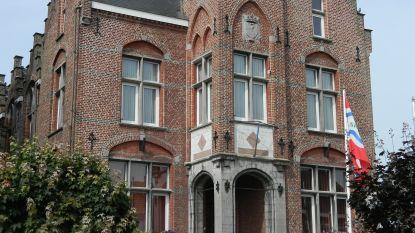 Gemeentehuis Sint-Laureins helemaal leeg: letterlijk iedereen werkt van thuis