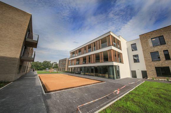 De gebouwen worden met elkaar verbonden door het Zomerplein.