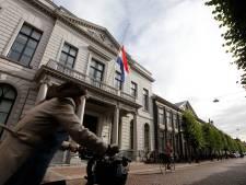 Vlag halfstok bij rechtbank Dordrecht voor vermoorde advocaat