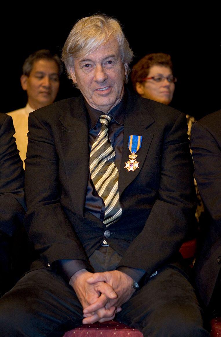 Verhoeven bij zijn benoeming tot Ridder in de Orde van de Leeuw in 2007. Beeld ANP