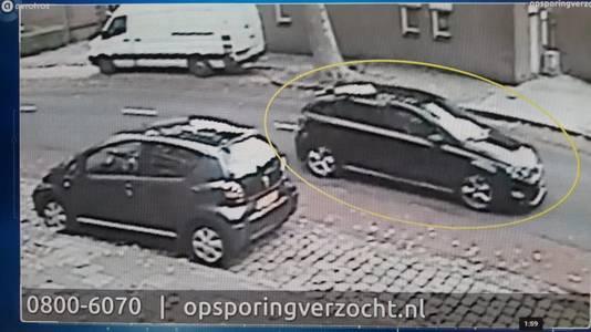 De auto van waaruit waarschijnlijk geschoten is.