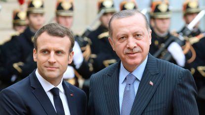 """Erdogan haalt hard uit naar Macron: """"Wie met terroristen naar bed gaat, moet op de blaren zitten"""""""