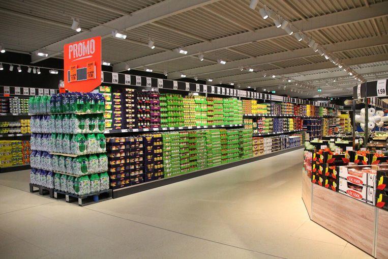 Brede gangpaden, dat is een van de kenmerken van het nieuwe concept van Lidl (op foto de winkel in Geel).