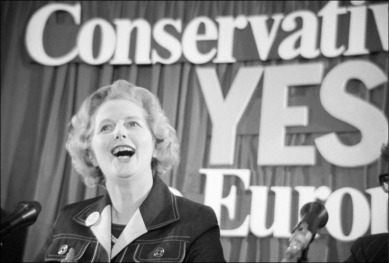 1975: een jonge Margaret Thatcher voert campagne voor Brits lidmaatschap van de EU voor het eerste referendum over de kwestie. 41 jaar later zouden de Britten de vraag opnieuw voorgeschoteld krijgen, en zou de Conservatieve partij net campagne tegen EU-lidmaatschap voeren.