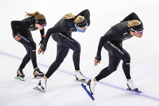 Jutta Leerdam tijdens een training met vriend Koen Verweij en Isabelle van Elst.