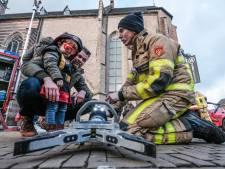 Een dagje proeven aan het werk bij de brandweer in Doetinchem: 'Heel anders dan achter een bureau zitten'