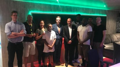 Burgemeester bezoekt muziekstudio River Side
