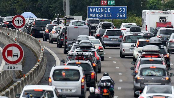 File op de A7, de Autoroute du Soleil, tussen Vienne en Valence in het zuidoosten van Frankrijk.